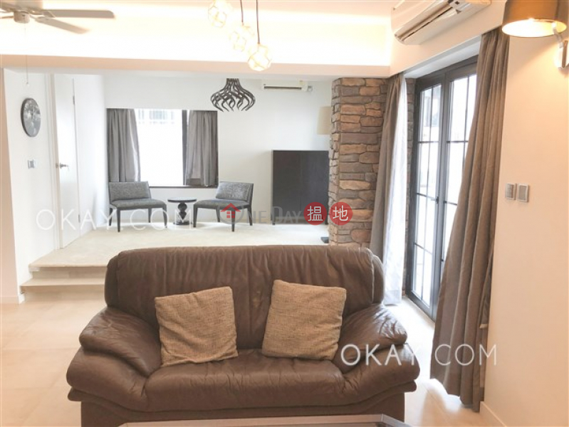 HK$ 55,000/ month | Kam Fai Mansion Central District, Luxurious 2 bedroom with balcony | Rental