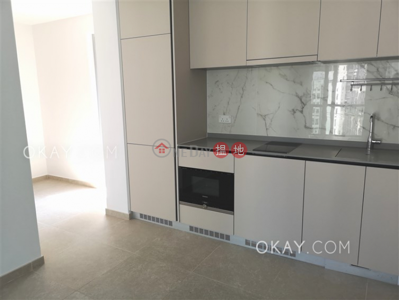 Tasteful 2 bedroom with balcony | Rental, Resiglow Pokfulam RESIGLOW薄扶林 Rental Listings | Western District (OKAY-R378721)
