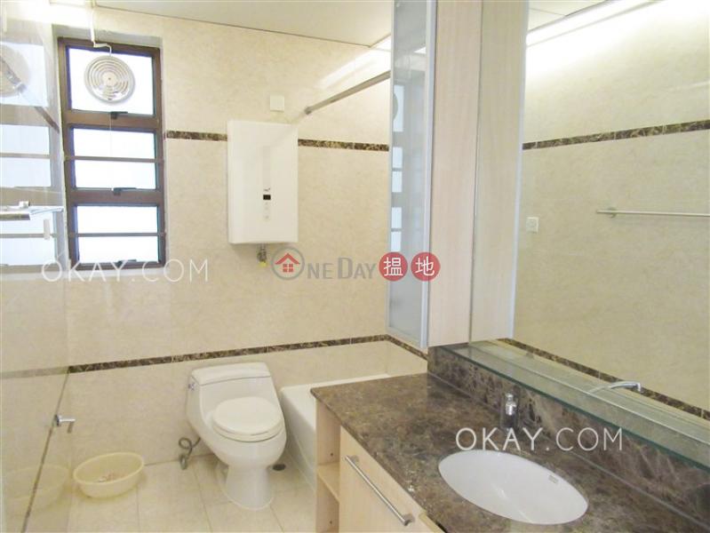 HK$ 60,000/ month Villa Rocha | Wan Chai District | Efficient 3 bedroom with parking | Rental