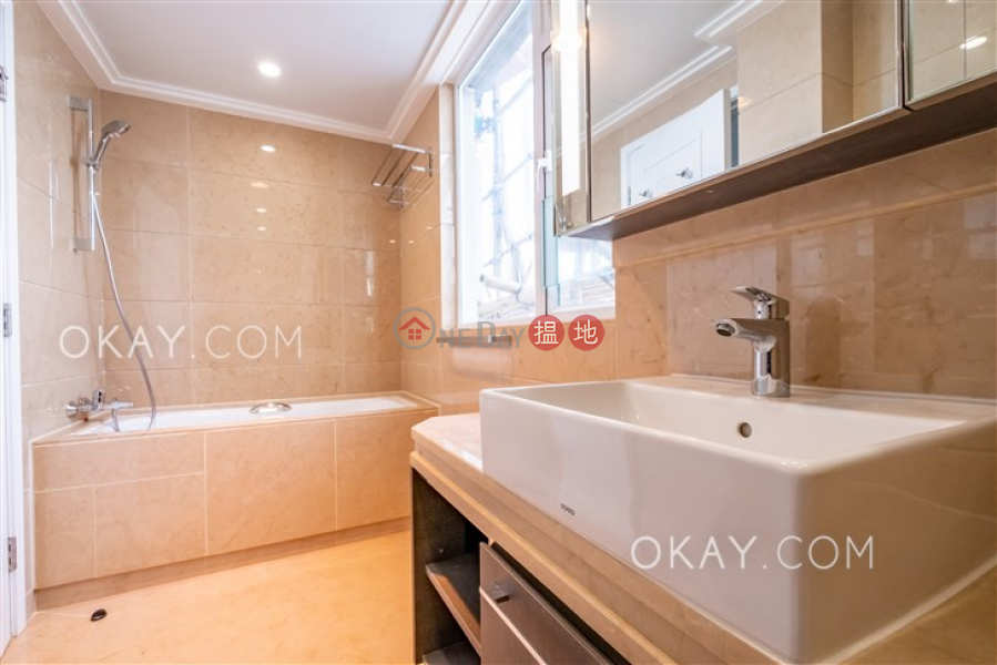 Efficient 3 bed on high floor with balcony & parking | Rental, 8-9 Bowen Road | Central District, Hong Kong | Rental HK$ 115,000/ month