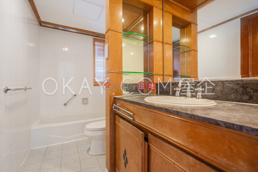 HK$ 78,000/ month   Block 2 (Taggart) The Repulse Bay, Southern District   Stylish 3 bedroom with sea views, balcony   Rental