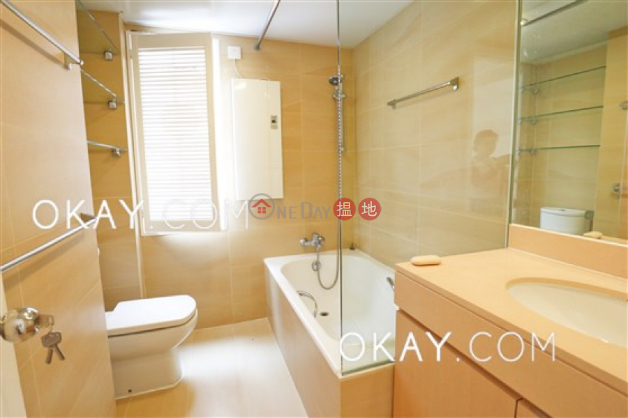 Efficient 3 bedroom with balcony & parking | Rental, 11 Shouson Hill Road East | Southern District Hong Kong Rental HK$ 72,000/ month