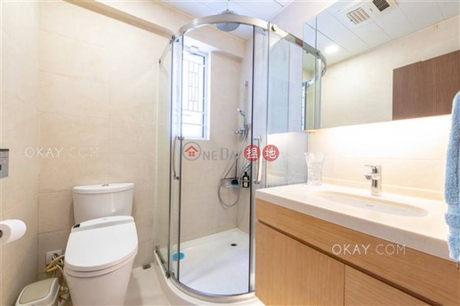 Stylish 2 bedroom on high floor with rooftop & parking | For Sale | Swiss Towers 瑞士花園 Sales Listings