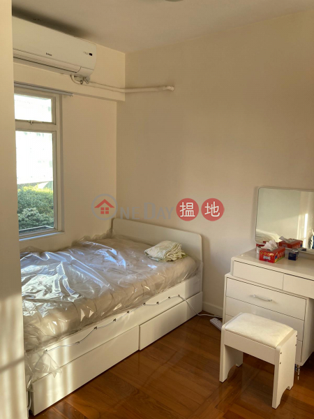 HK$ 6M, Charmview Court, Western District, FOR SALE STUDIO MID LEVEL WEST