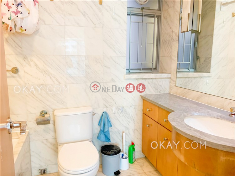 Charming 2 bedroom in Kowloon Station | Rental | The Waterfront Phase 1 Tower 1 漾日居1期1座 Rental Listings