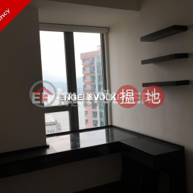 2 Bedroom Flat for Rent in Sheung Wan