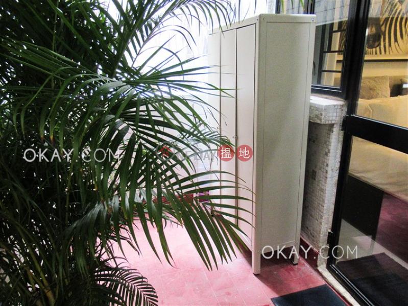 0房1廁,露台《美蘭閣出租單位》 美蘭閣(Midland Court)出租樓盤 (OKAY-R62874)