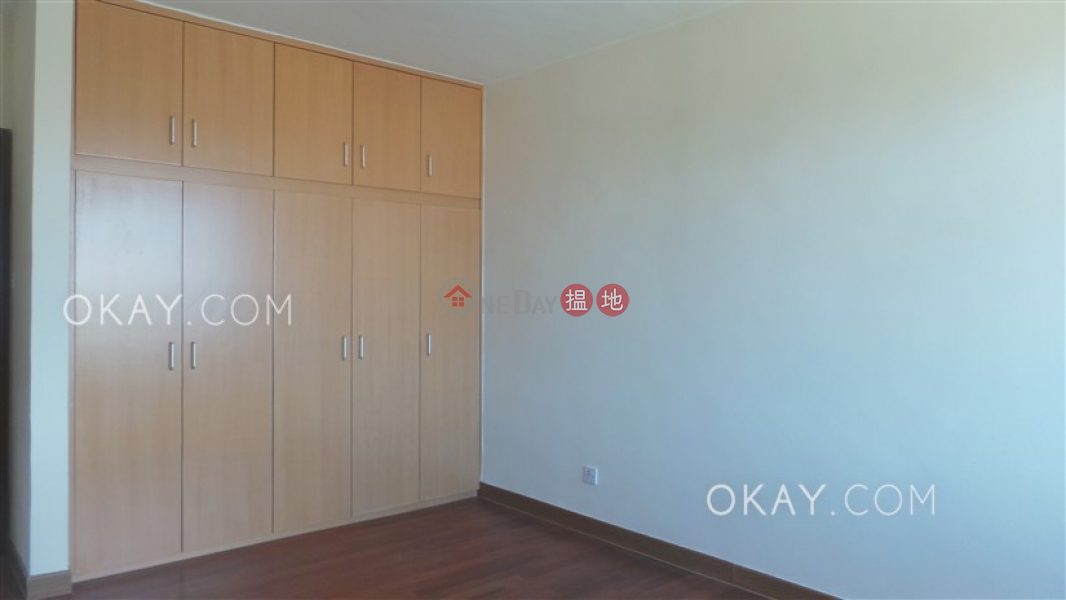 HK$ 45,400/ month | Wylie Court | Yau Tsim Mong | Gorgeous 3 bedroom with balcony & parking | Rental