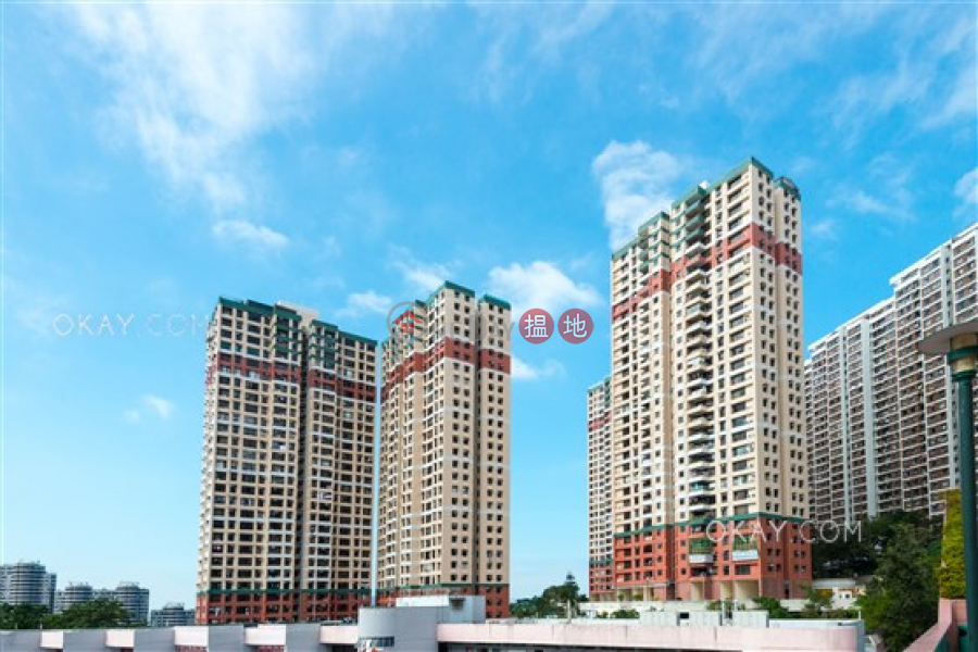 Tasteful 3 bed on high floor with sea views & rooftop | For Sale, 180 Pok Fu Lam Road | Western District | Hong Kong | Sales | HK$ 19.5M