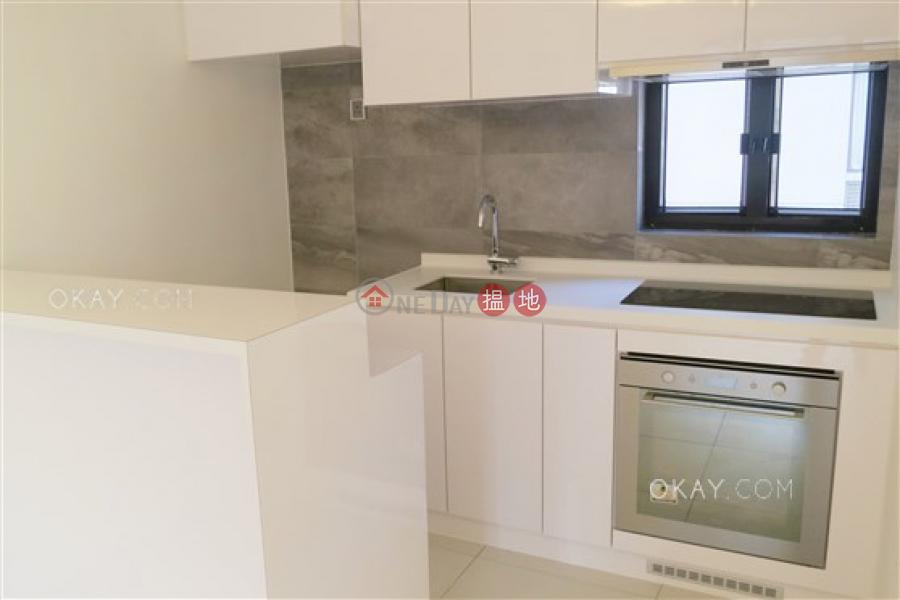 HK$ 13.5M, 1 Tai Hang Road Wan Chai District Rare 2 bedroom on high floor | For Sale
