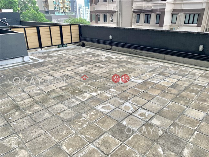 Popular 3 bedroom with terrace   Rental, Bonanza Court 般安閣 Rental Listings   Western District (OKAY-R292093)