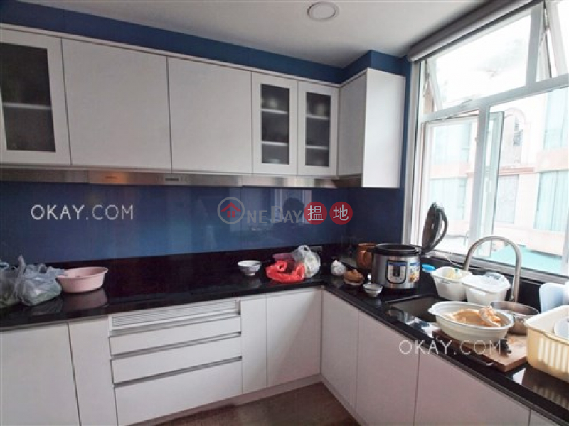 Popular house with parking | For Sale, Burlingame Garden 柏寧頓花園 Sales Listings | Sai Kung (OKAY-S285814)