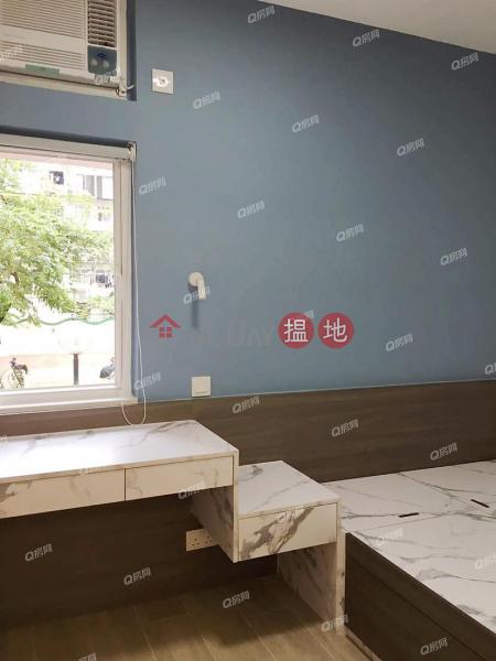 HK$ 20,000/ month   Luen Lee Building   Wan Chai District Luen Lee Building   2 bedroom Low Floor Flat for Rent