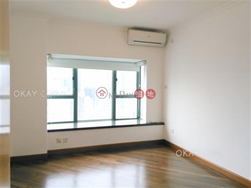 香港搵樓|租樓|二手盤|買樓| 搵地 | 住宅出售樓盤3房2廁,海景,星級會所,可養寵物《羅便臣道80號出售單位》