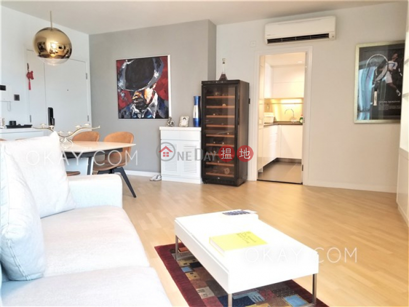 Rare 3 bed on high floor with harbour views & parking | For Sale | 80 Robinson Road 羅便臣道80號 Sales Listings