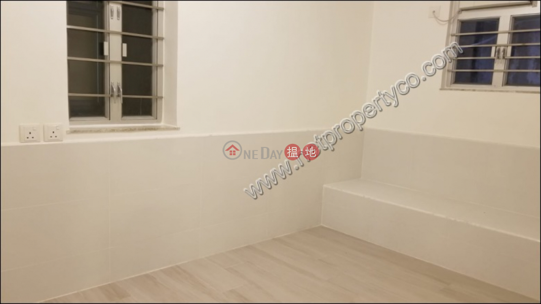 Apartment with Terrace for Rent in Mid-Levels Cent. | Caineway Mansion 堅威大廈 Rental Listings