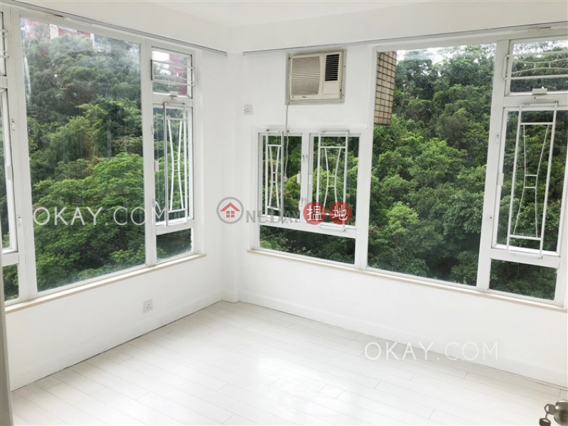 Stylish 3 bedroom on high floor with parking | Rental | Oxford Court 豐林閣 Rental Listings
