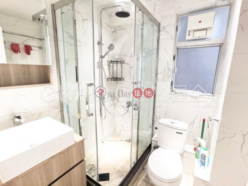 HK$ 25,000/ month Bonham Court | Western District Lovely 2 bedroom in Mid-levels West | Rental