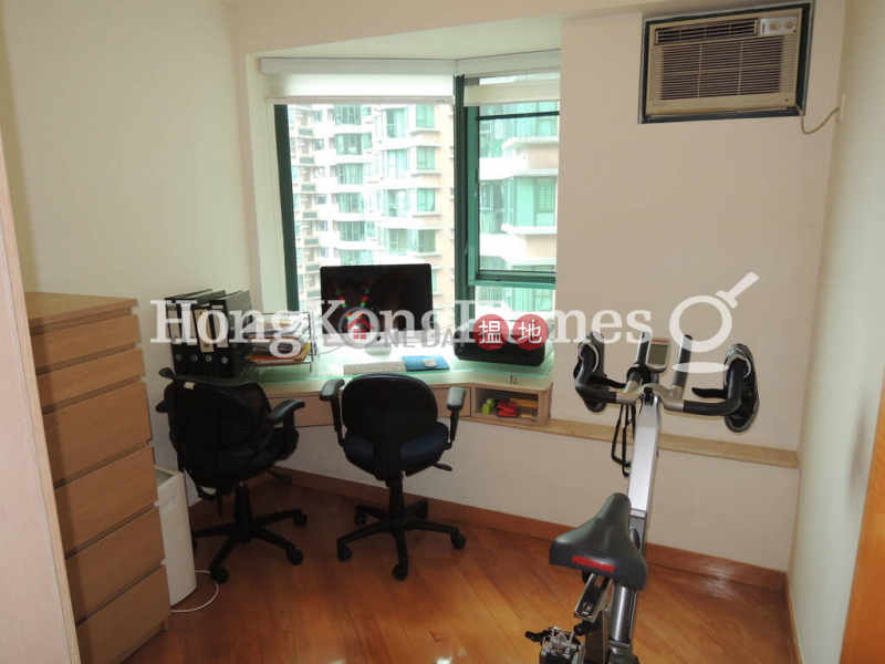 3 Bedroom Family Unit for Rent at Hillsborough Court 18 Old Peak Road   Central District, Hong Kong   Rental HK$ 60,000/ month