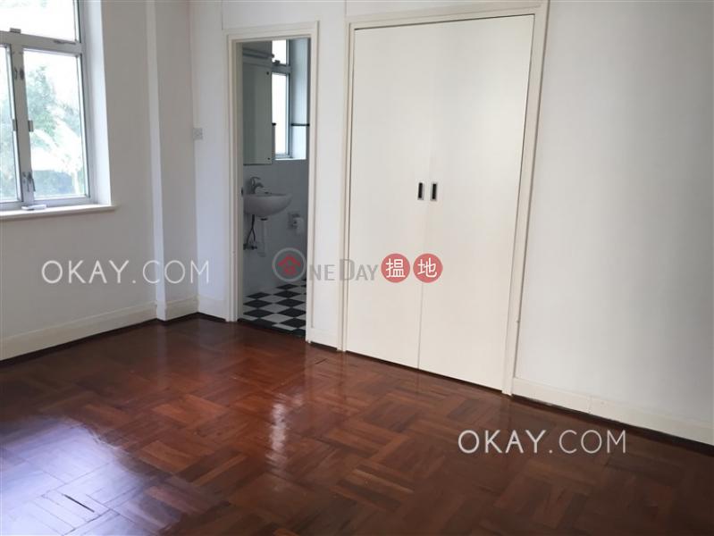 3房2廁,實用率高,連車位,露台《柏齡大廈出租單位》|柏齡大廈(Grand House)出租樓盤 (OKAY-R29811)