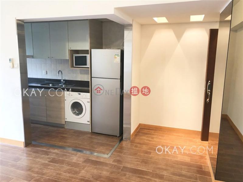 Village Tower | Low | Residential | Rental Listings | HK$ 40,000/ month