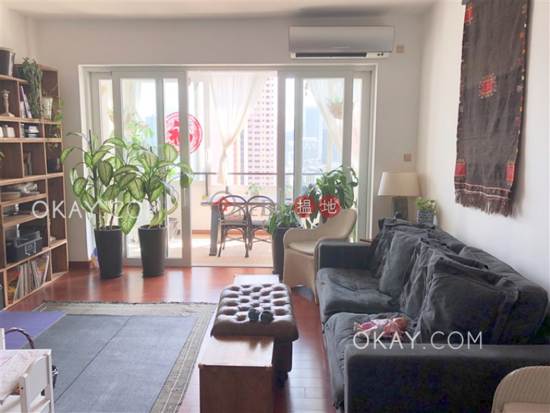 HK$ 77,000/ month | Robinson Garden Apartments | Western District, Efficient 3 bed on high floor with balcony & parking | Rental