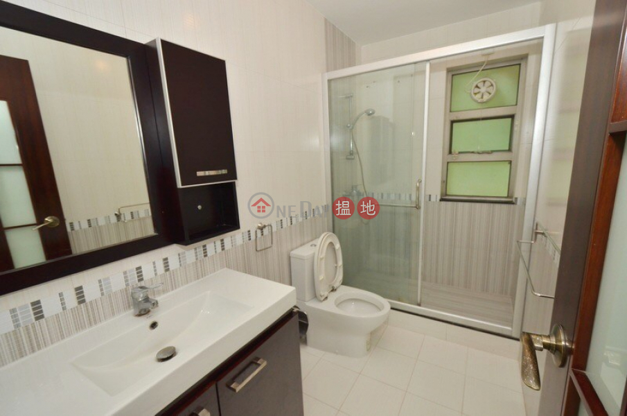 HK$ 32,000/ month Sheung Yeung Village House Sai Kung   Upper Duplex in Clearwater Bay