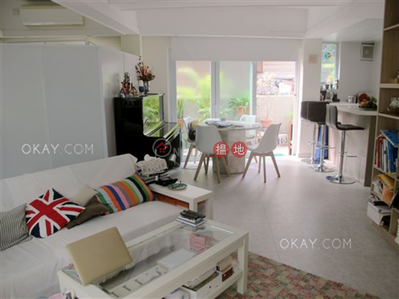 Property Search Hong Kong | OneDay | Residential Sales Listings | Nicely kept 1 bedroom with terrace | For Sale