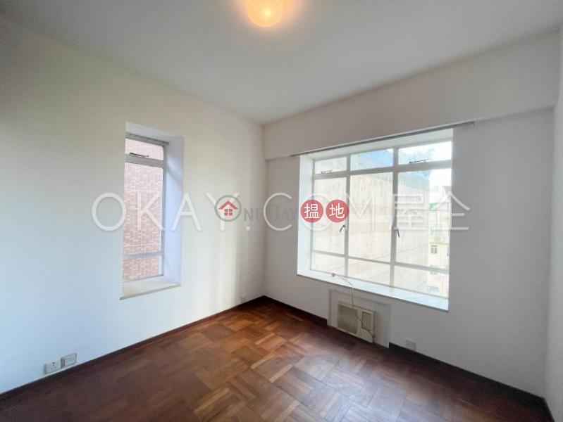 Luxurious 2 bedroom with balcony   Rental   10-16 Pokfield Road 蒲飛路 10-16 號 Rental Listings