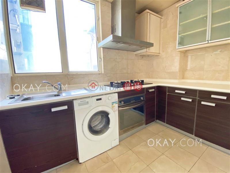 3房2廁,連車位《聖佐治大廈出租單位》 聖佐治大廈(St. George Apartments)出租樓盤 (OKAY-R35135)