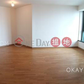Rare 2 bedroom with parking | Rental