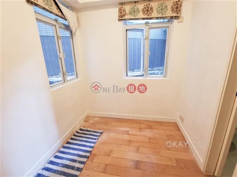 Popular 2 bedroom in Mid-levels West | Rental | Hanwin Mansion 慶雲大廈 Rental Listings