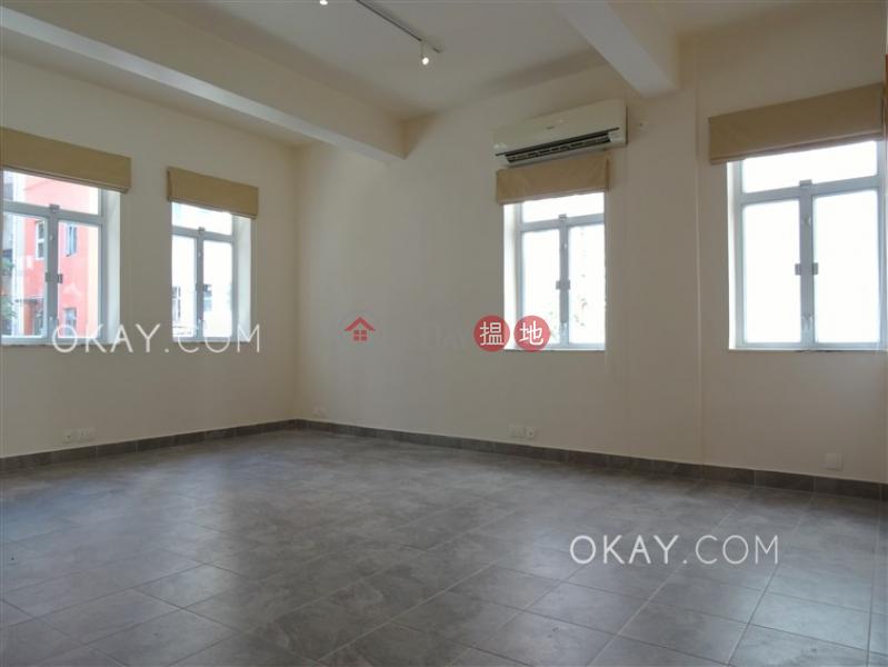 1房1廁,實用率高適安街14號出租單位 適安街14號(14 Sik On Street)出租樓盤 (OKAY-R60797)