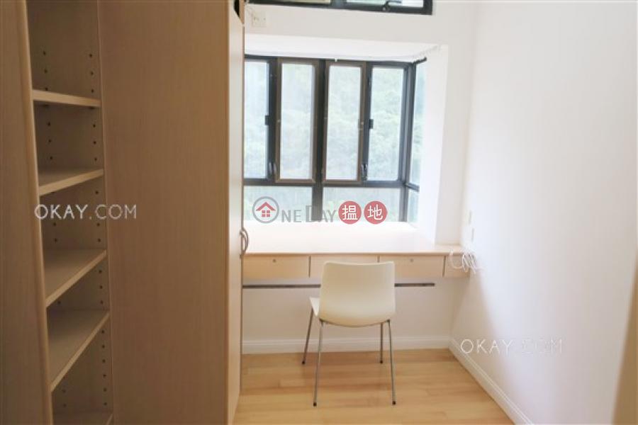 HK$ 20M Scenecliff, Western District | Elegant 3 bedroom with balcony & parking | For Sale
