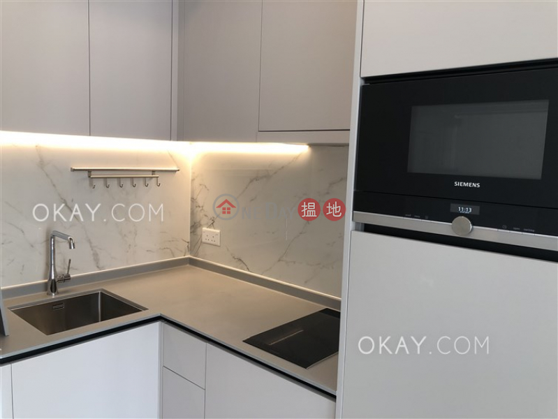 HK$ 26,800/ month Resiglow Pokfulam | Western District Practical 1 bedroom on high floor with balcony | Rental