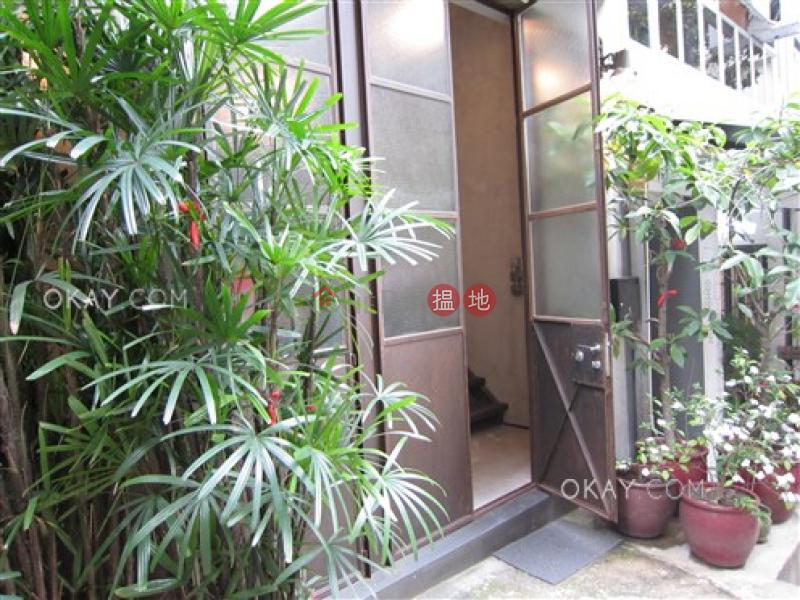 開放式《寶慶大廈出租單位》|中區寶慶大廈(Po Hing Mansion)出租樓盤 (OKAY-R78076)