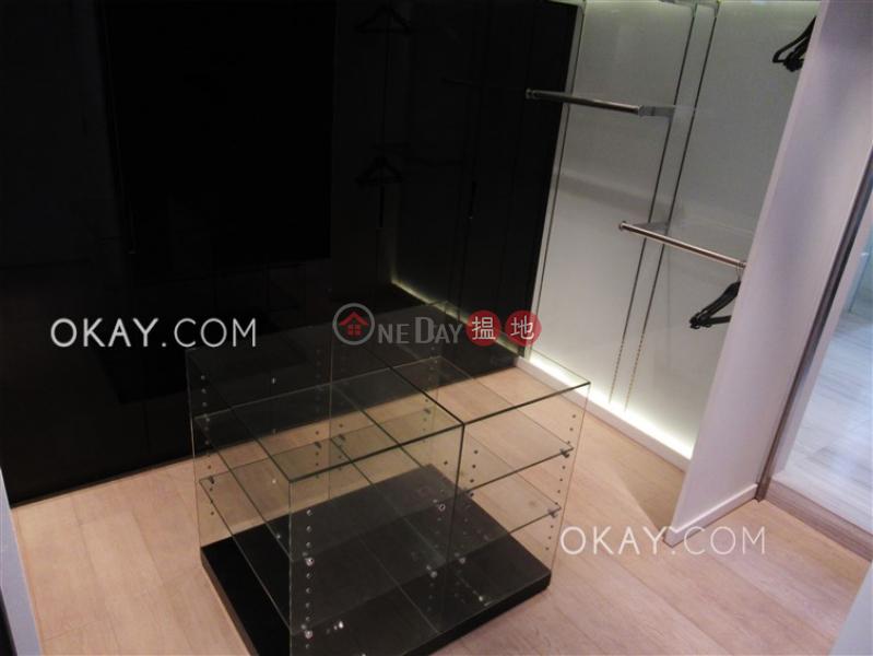 HK$ 2,600萬-滿峰台東區-2房1廁,實用率高,極高層,連車位《滿峰台出售單位》