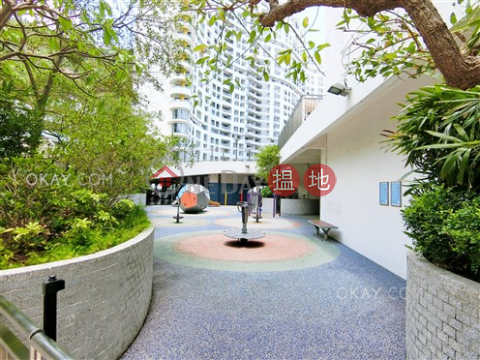 Efficient 4 bed on high floor with sea views & balcony | Rental|Repulse Bay Apartments(Repulse Bay Apartments)Rental Listings (OKAY-R19993)_0