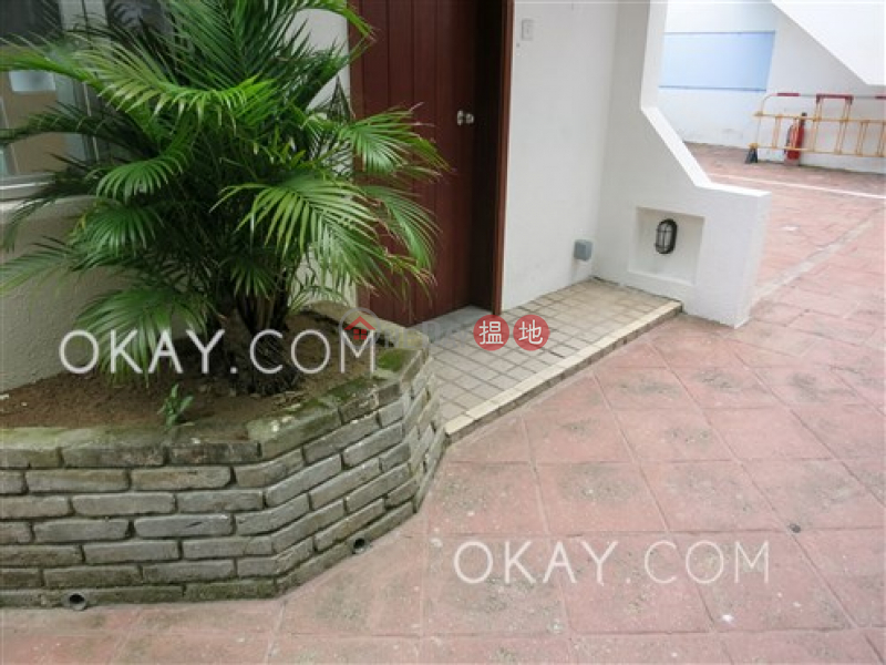 HK$ 42,000/ month | 30 Cape Road Block 1-6 | Southern District Popular house with sea views, balcony | Rental