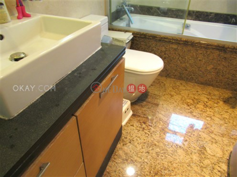 HK$ 40M, South Bay Palace Tower 2, Southern District | Stylish 3 bedroom on high floor with parking | For Sale