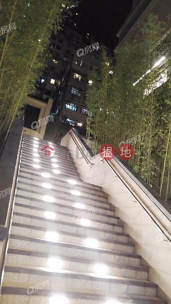 即買即住,地段優越,品味裝修《康和花園買賣盤》83第三街 | 西區香港-出售-HK$ 780萬