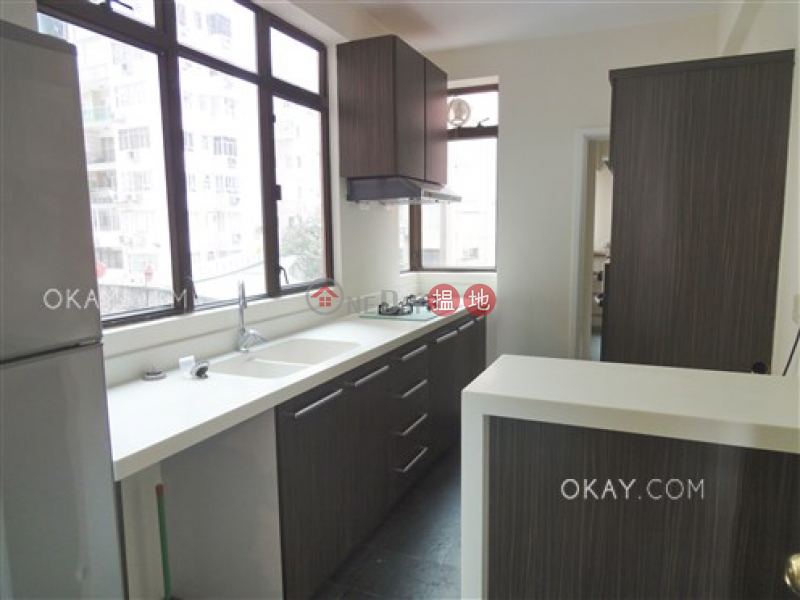 Gorgeous 3 bedroom with balcony & parking | Rental | Dragonview Court 龍騰閣 Rental Listings
