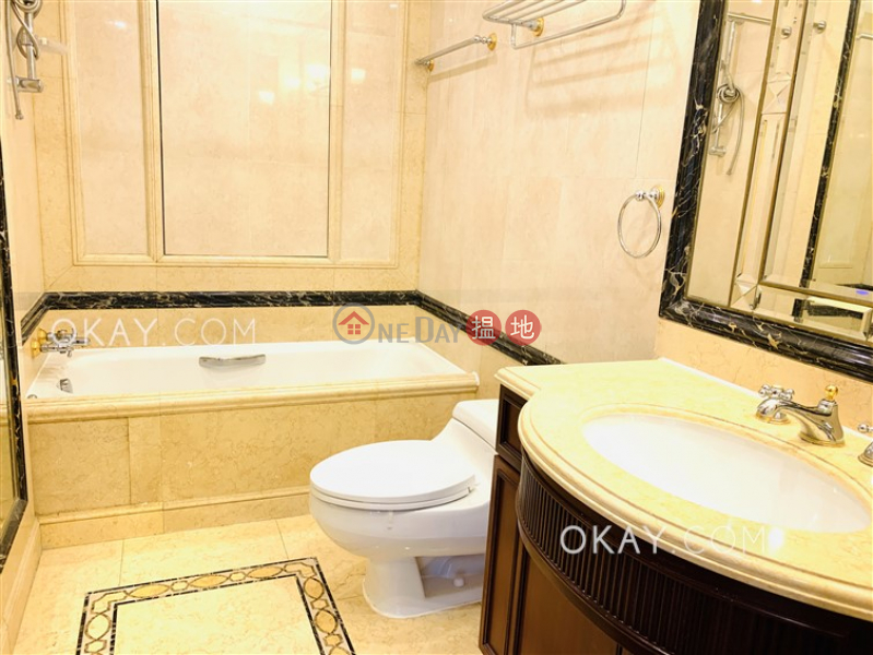 Gorgeous 3 bedroom on high floor with balcony | Rental | Branksome Crest Branksome Crest Rental Listings
