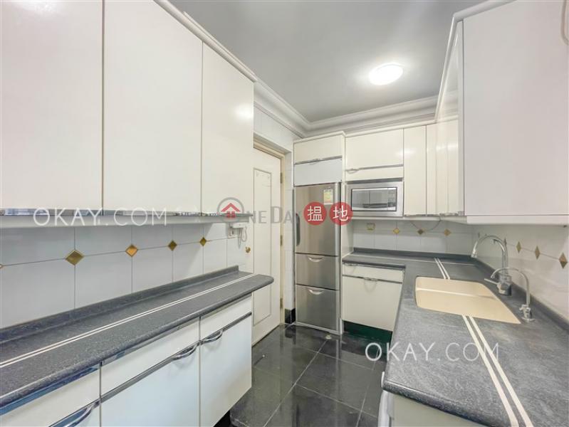 HK$ 46,000/ month, King\'s Park Villa Block 1 Yau Tsim Mong | Elegant 3 bedroom with parking | Rental