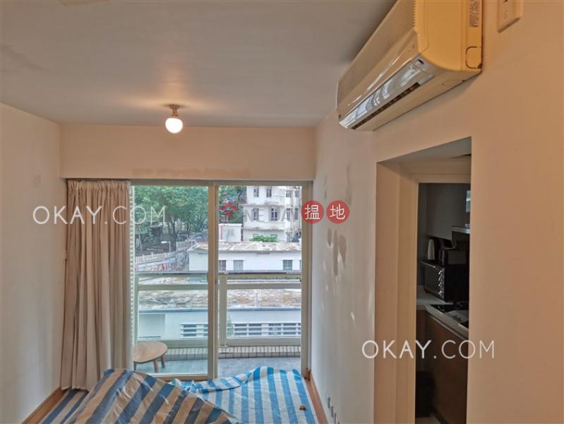 2房1廁,星級會所,露台《聚賢居出租單位》108荷李活道 | 中區-香港出租-HK$ 26,000/ 月