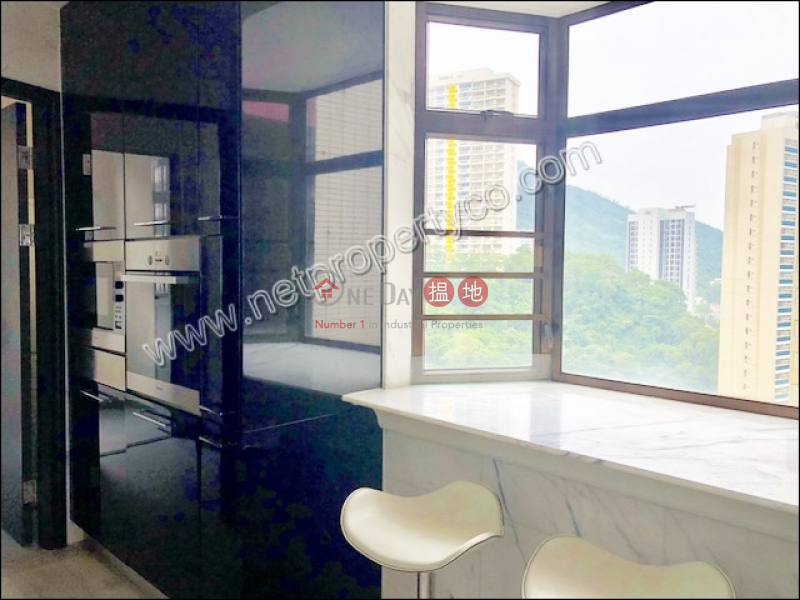 HK$ 90,000/ month | Elm Tree Towers Block A | Wan Chai District | Spacious Apartment for Rent in Mid-Levels East
