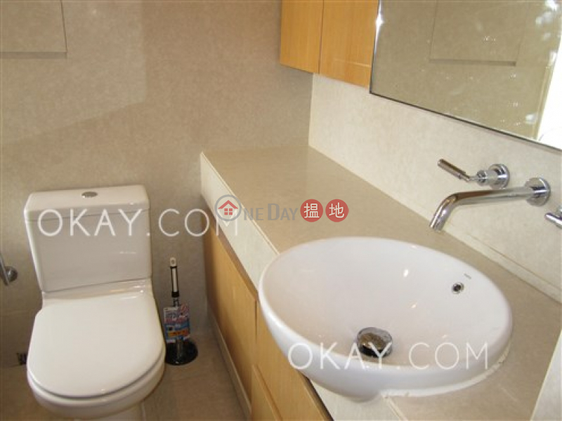 HK$ 36,000/ month, Island Lodge, Eastern District, Stylish 2 bedroom on high floor with harbour views | Rental