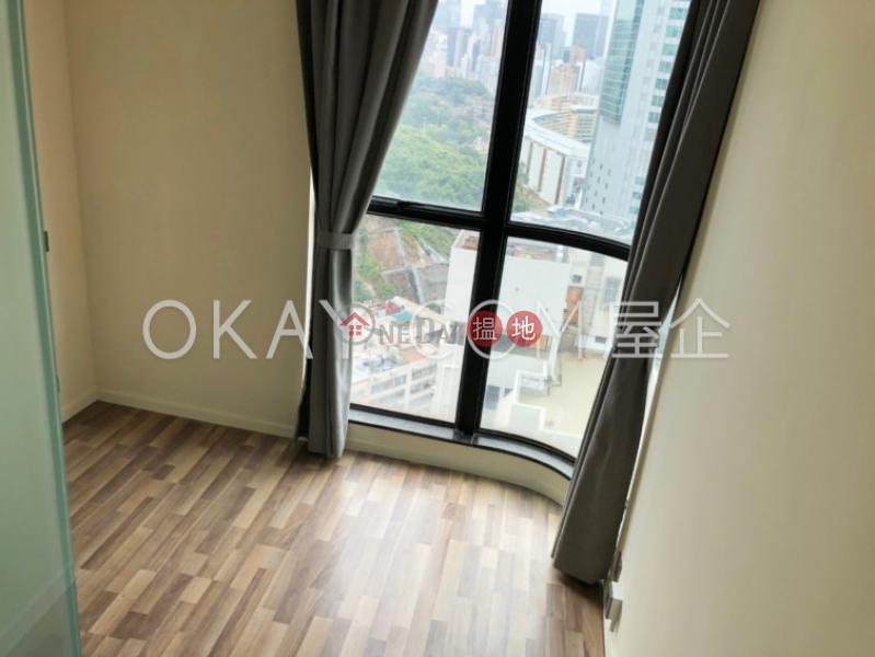 HK$ 30,000/ month Village Garden   Wan Chai District, Luxurious 3 bedroom on high floor with parking   Rental