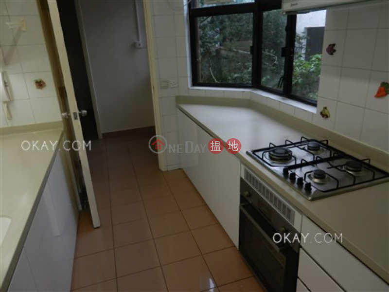 Exquisite 3 bedroom with balcony & parking | For Sale | Cavendish Heights Block 8 嘉雲臺 8座 Sales Listings
