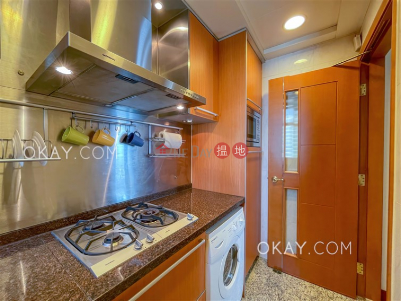 Property Search Hong Kong | OneDay | Residential | Rental Listings, Intimate 1 bedroom in Kowloon Station | Rental
